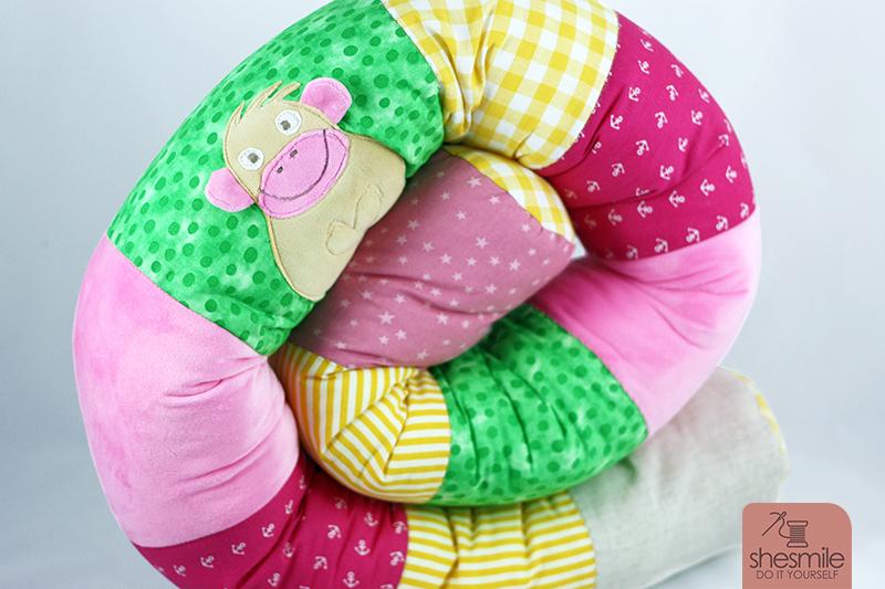 Eine Bettschlange als Geschenk zur Babyparty (Nähanleitung und ...