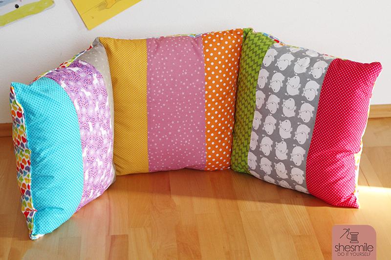 mama tochter n hprojekt ein regenbogen kissen f r die kuschelecke shesmile. Black Bedroom Furniture Sets. Home Design Ideas