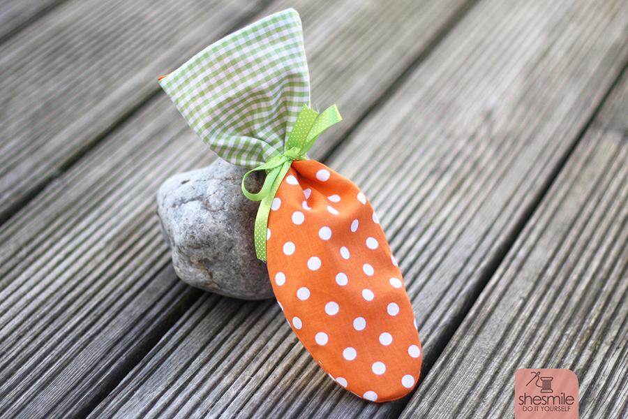 Stoffsäckchen Karotte (Kostenlose Nähanleitung & Schnittmuster)