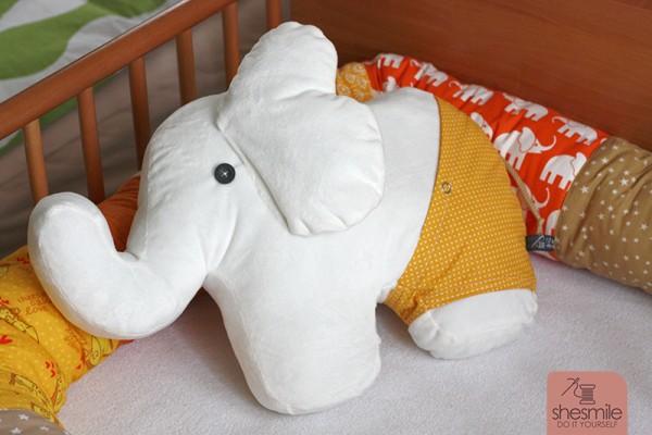 "Elefanten-Kuschelkissen ""Nelefant"" (Nähanleitung und Schnittmuster)"